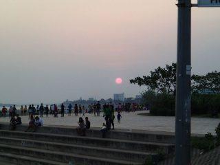 12)メコン川にてボレボレ・夕陽・ナイトマーケット。ナムソン川を下る